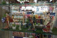 ダイソーにあった日本人形